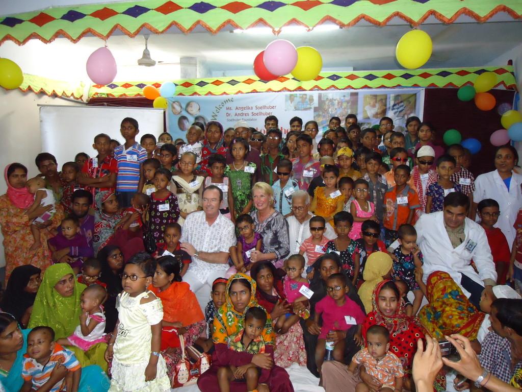 Ein Teil der in 2012 von den Spendengelder der Stiftung operierten Kinder