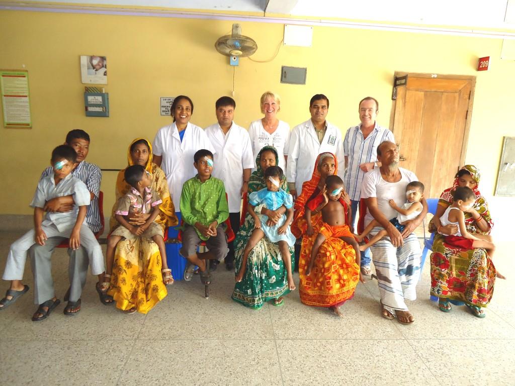 7 in unserem Beisein operierte Kinder am Morgen nach der OP